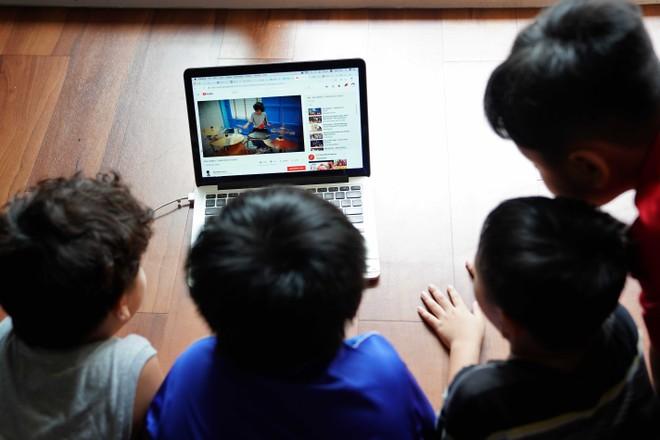 'Mê hồn trận' trên mạng bủa vây trẻ em